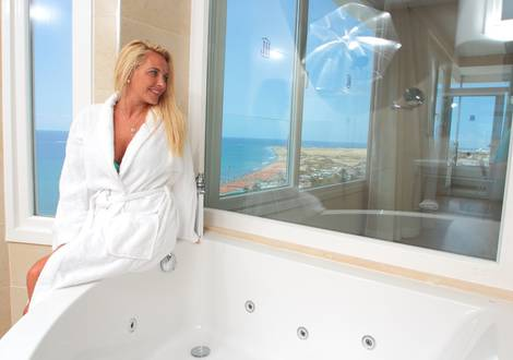 Bathroom Mastersuite1 HL Suitehotel Playa del Ingles**** Hotel Gran Canaria
